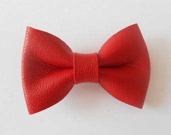 Red leather knot of 4.5 x 3 cms hand-made