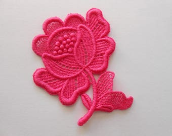 Applique lace fuchsia 7 x 6 cm