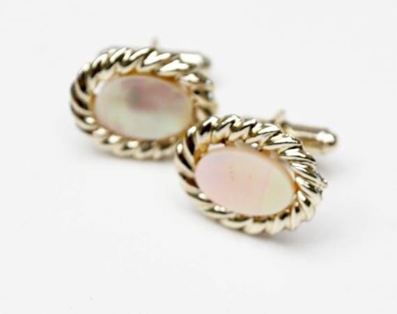 Mother of Pearl cuff links - light gold metal - MOP Oval cufflinks