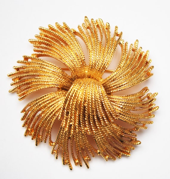 Large Monet Gold  Brooch - Swirl strand - Circle round Domed  - Yellow gold  - Mid Century - signed jewelry Pin