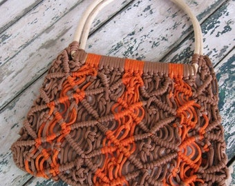 Summer Clearout Vintage 1970's Woven Tote Bag// Orange and Brown