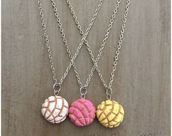 Concha Pan Dulce Necklace