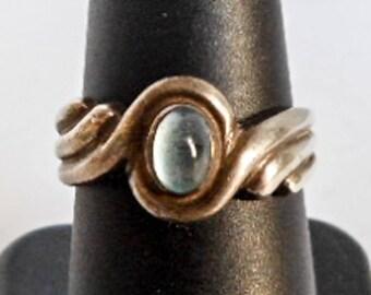 Vintage Moonstone Ring   Sterling Silver   Size 7 1/2