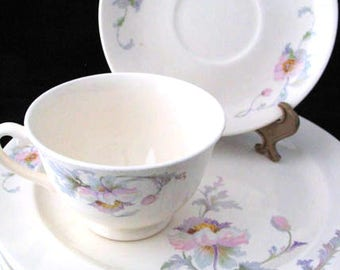 7 Paden City Pottery The Princess Dinner Plates Cup and Saucer with Pink and Purple Flowers SET of 7