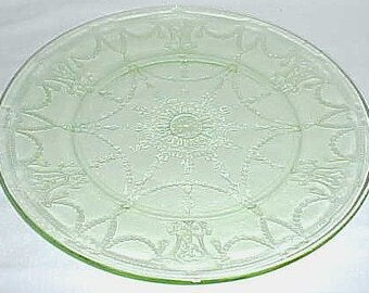 Hocking Depression Green CAMEO BALLERINA 9 1/2 Inch Dinner Plate