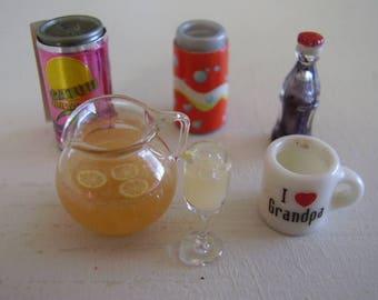 DOLLHOUSE ACCESSORIES/Lemonade pitcher