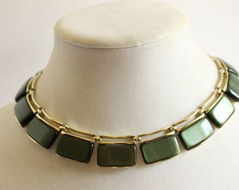 Vintage Green Thermoset Necklace, Designer Signed Lisner, Green and Goldtone, Costume Jewelry, Circa 1960's