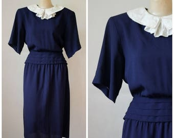 Sale Vintage Navy Blue Albert Nipon Dress / Vintage Nipon Fem Collar Dress / Nipon Executive Dress / Modest Dress / Day to Evening Dress M