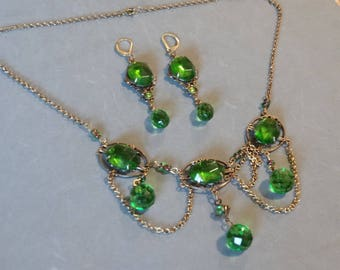 Vintage Festoon Necklace Earrings Set Emerald Green Glass Gold Metal Antique Victorian Style High Quality Statement Jewelry Parure