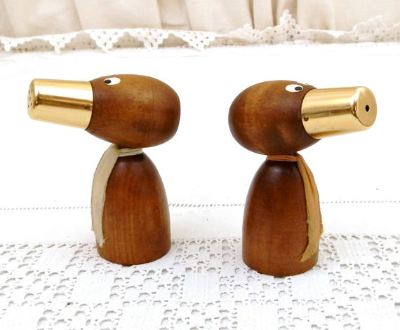 Pair of Vintage Squeaking Teak Mid Century Modern Novelty Salt and Pepper Shakers, Retro 60s Musical Wooden Tableware, Phonic Wood Cruet Set