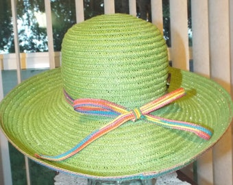 Vintage Hat Green Large Brim Summer Time Fun Accessories
