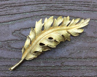Vintage Signed Coro Gold Tone Leaf Pin Brooch