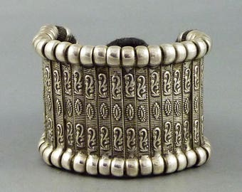 Vintage Rajasthan silver bracelet from India, ethnic bracelet, tribal bracelet, rajasthan jewelry, ethnic and tribal