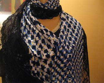"""scarf/shawl handmade - combination of fabric and black/blue lace - """"lilac"""""""