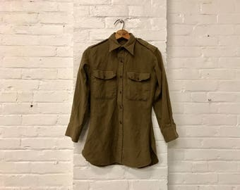 military green army style vintage button down up long sleeve top size medium
