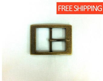Beautiful bronze buckle. Classic buckle. Buckle for men and women. Lightweight. 1.57 inches wide. 4 cm wide.