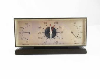A 'Honeywell' Weather Station - Retro Styled - Brown Plastic With Plexi Cover - Temperature - Barometric Pressure - Humidity - Desk Item