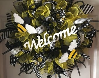 SALE...WAS 85.00/NOW 79.00...Bee-u-tiful Welcome Bumble Bee Deco Mesh Wreath...Summer Wreath