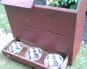 Trash Bin / Recycle Bin / Dog feeding station