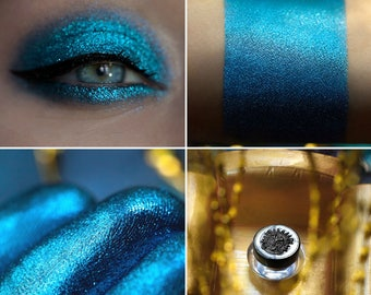 Eyeshadow: Boss - Dragonblood. Shining blue eyeshadow by SIGIL inspired.