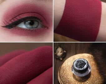 Eyeshadow: Crazy Empress - Dark Castle. Red-brown matte eyeshadow by SIGIL inspired.