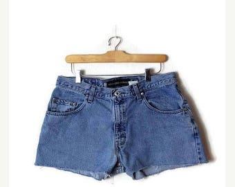 ON SALE Vintage LEVI'S Blue Denim cut off Shorts/W32*