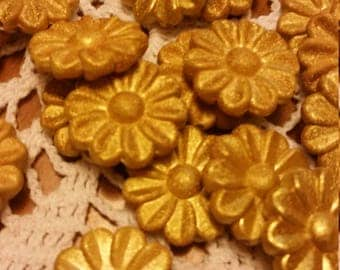 Goldenrod Yellow Textured Satin Daisy Flower Acrylic Beads 30mm