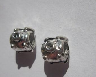 2 beads 10mm silver metal pig (2012-).