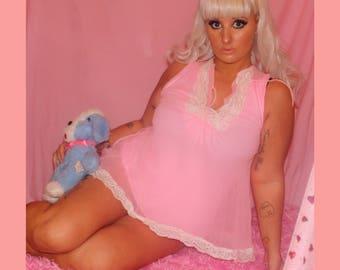 Adorable 60s Barbie pink babydoll nightie