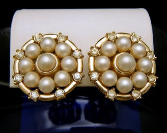 Vintage Crown Trifari Gold Tone Faux Pearl Rhinestone Clip On Earrings
