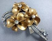 1940s Flower Brooch,Large Flower Brooch,Big Gold Metal and Rhinestone Brooch,Mother of the Bride,Rhinestone Flower Brooch,1940s Scarf Pin