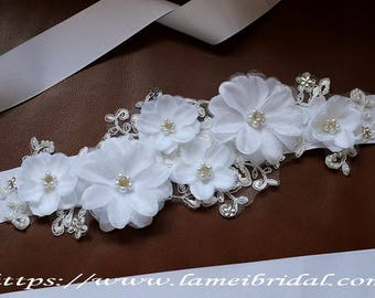 Rhinestone on Small Ivory-white Fabric Flowers Adorning Lace Underlay Bridal Belt Wedding Sash