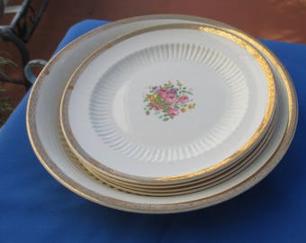 Vintage Royal China 22Kt Gold Large Bowl & Bread Dishes Heavy Crazing