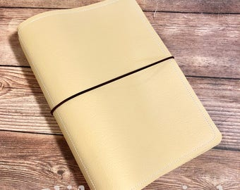 Traveler's Notebook - Beige with white and black