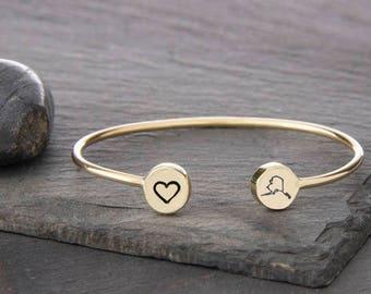 Alaska Bangle, Alaska Bracelet, Alaska Jewelry, Alaska, Charm Bracelet, Alaska Gift, State Jewelry, Bangle Bracelet, State of Alaska, b249sB