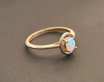 """14K Yellow Gold """"African Fire Opal and Gold Oval Ring"""", Natural Opal 0.25 Ct"""