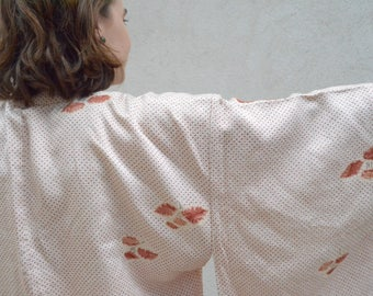 Soft silk kimono robe - vintage clothing - haori - boho wedding day robe with flowers -or wear as a jacket!
