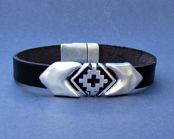 Arrowhead Mens Bracelet Silver Cross Leather Mens Bracelet Cuff Silver Plating Magnetic Clasp Customized On Your Wrist