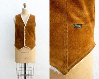 VINTAGE 1970s Wrangler Leather Caramel Suede Lambswool Vest | Cowboy Western Leather Vest | Sherpa Fleece Tailored Vest | Unisex | USA Made