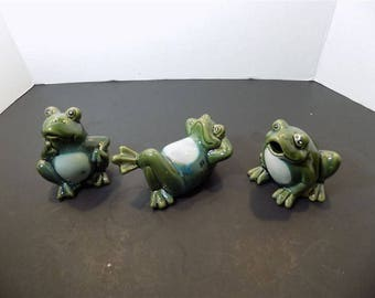 NEW Ceramic Funny Frogs Figurines Set of Three Collectible Collector  Gift  Set#2325