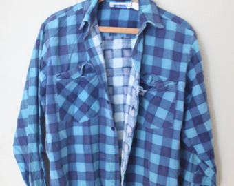 vintage distressed blue & navy plaid checkered grunge flannel button up shirt