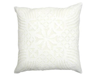 Cushion Cover - White Cotton Backed Applique - Design 9