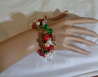 Gold Tone Red Green Art Glass Faux Pearl Beads Charm Cha Cha Bracelet