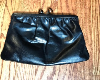 Vintage Etra Black Leather Clutch With Kiss Lock Wood Beads Closure