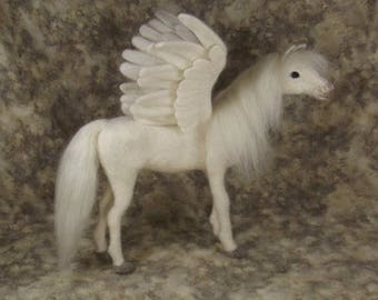Needle felted Animal, Needle felted Horse, Needle felted Pegasus, OOAK Pegasus, Needle felted Pegasus wool sculpture