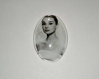 X 1 A.Hepburn glass oval cabochon