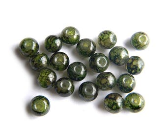 25 Mottled Green Painted Glass 6mm Beads