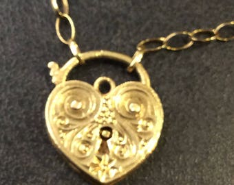 9ct gold padlock necklace