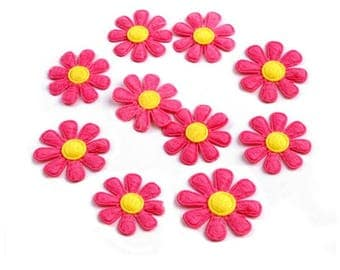 10 daisies in yellow felt rose 27 mm