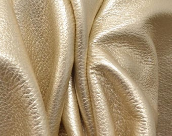 "Champagne Bubbles Metallic ""Vegas"" 5.2SF 3-3 1/2 oz Leather Cow Project PieceDE-66058 (Sec. 7,Shelf 1,C)"